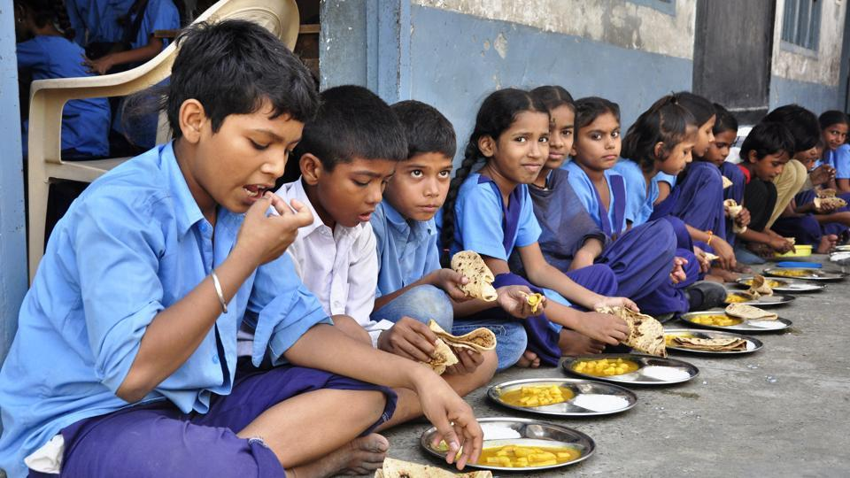 government school students having their lunch - CollegeMarker
